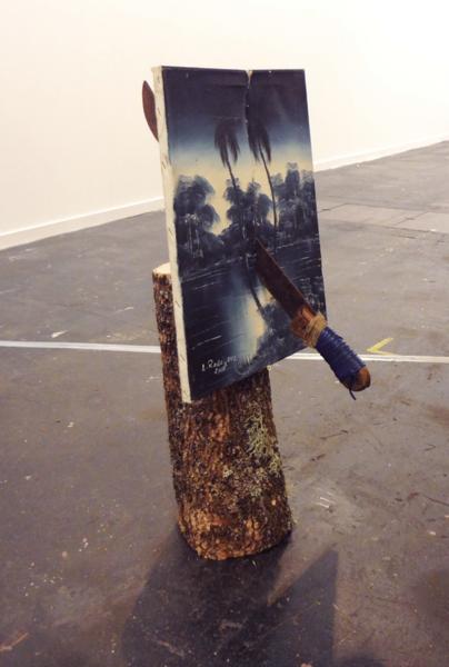 """Marco Montiel-Soto """"Muerte en la tierra tropical azul"""", 2015 Machete, pintura de óleo y tronco 88 x 41 x 30 cm"""
